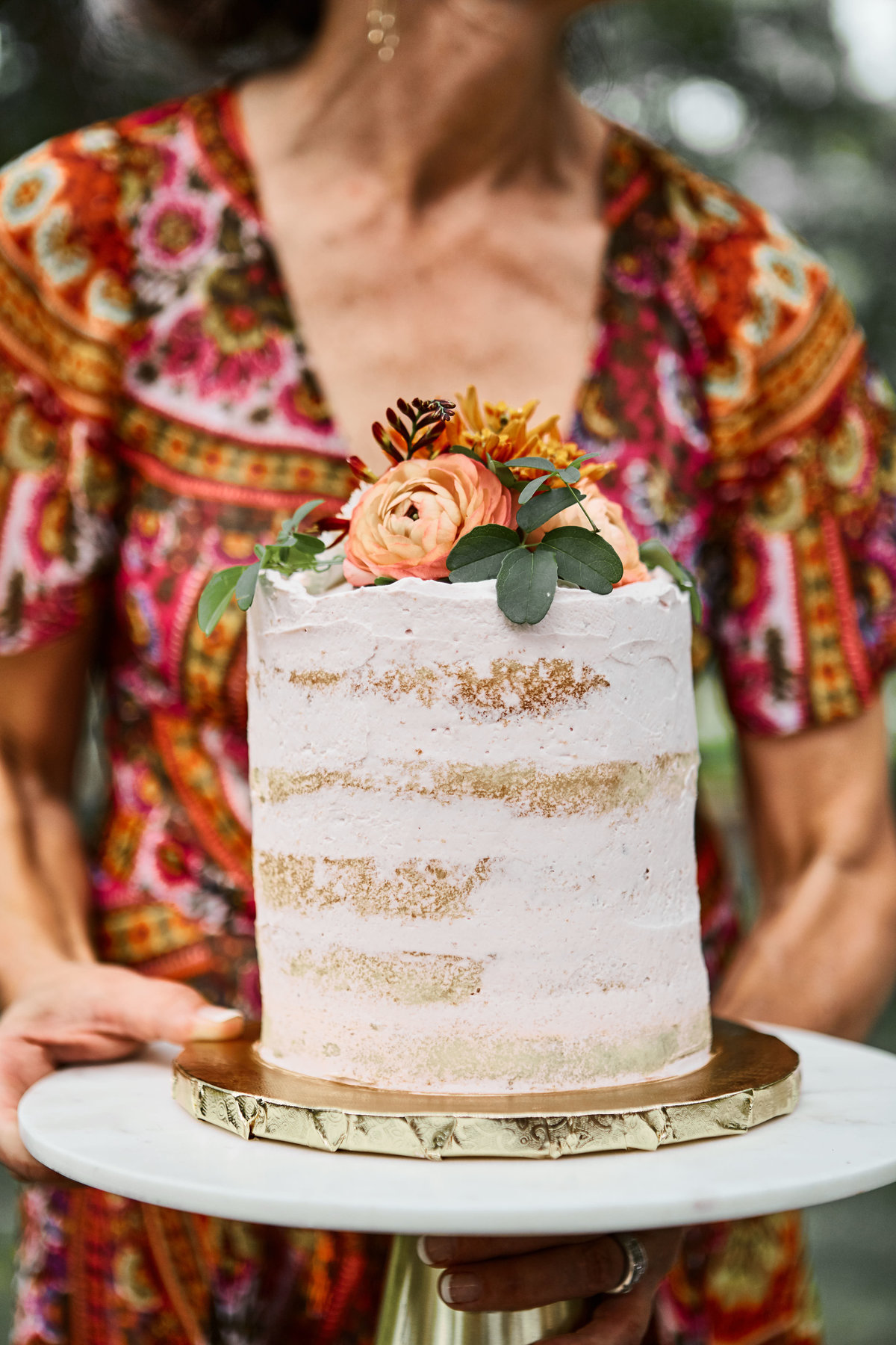 peach red cake flowers