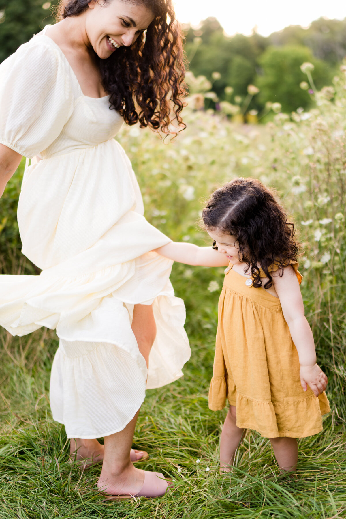 Boston-family-photographer-bella-wang-photography-Lifestyle-session-outdoor-wildflower-79