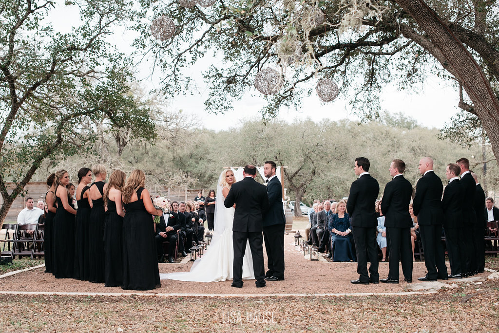 duchmanwinery_thelineymoon_lisahause_austinwedding_096