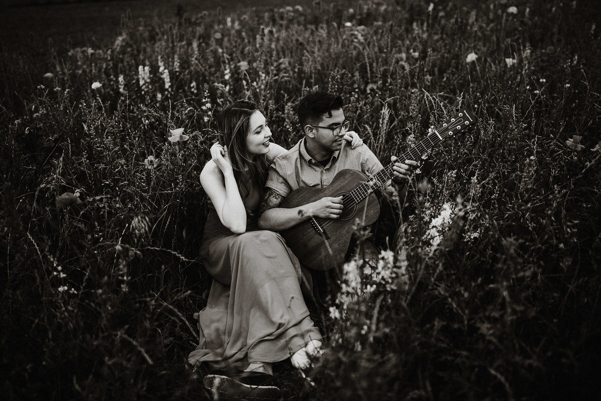 wildflower-field-engagement-photos-rebecca-renner-photography-1