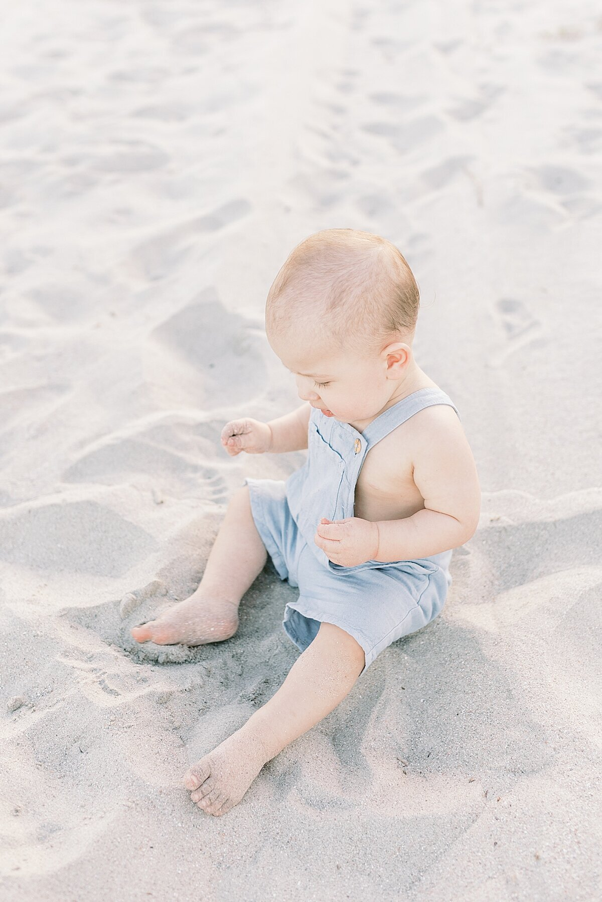 First-birthday-photoshoot-Isle-of-Palms-caitlyn-motycka-photography_0010