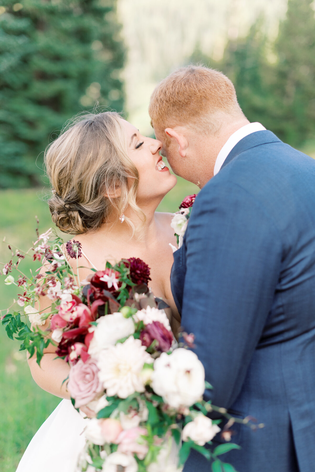 Melissa Brielle Photography Colorado Fine Art Wedding Engagement Photographer Photograph Melissa Minkner Light Airy Luxury High End11