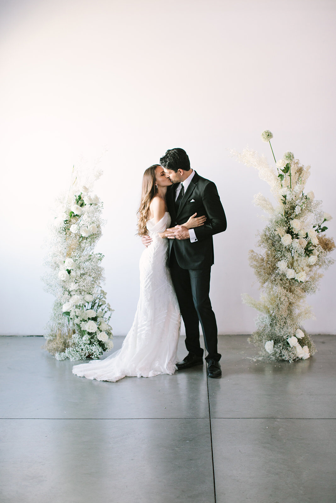 scottsdale-florist-ceremony-floral-pillaras