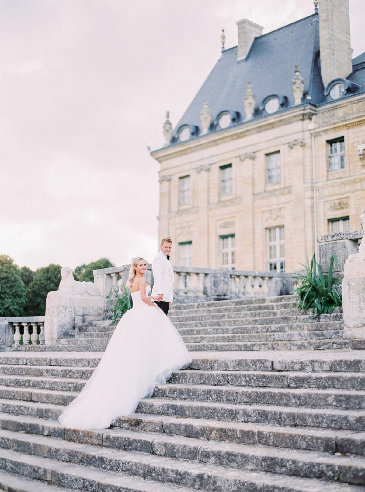 vaux-le-vicomte-luxury-wedding-phototographer-in-paris (46 of 56)