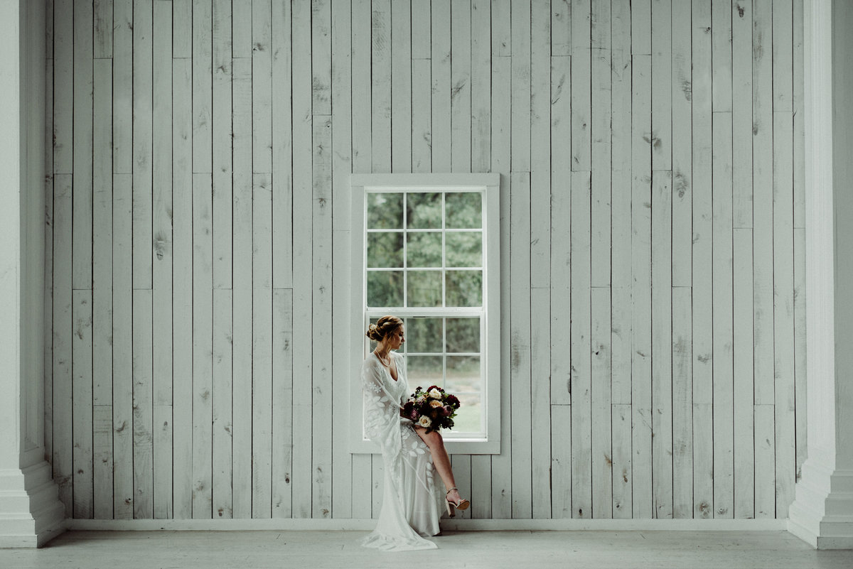 the white sparrow barn bridal session