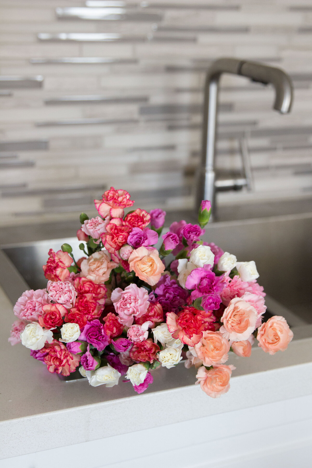 flowers-in-sink
