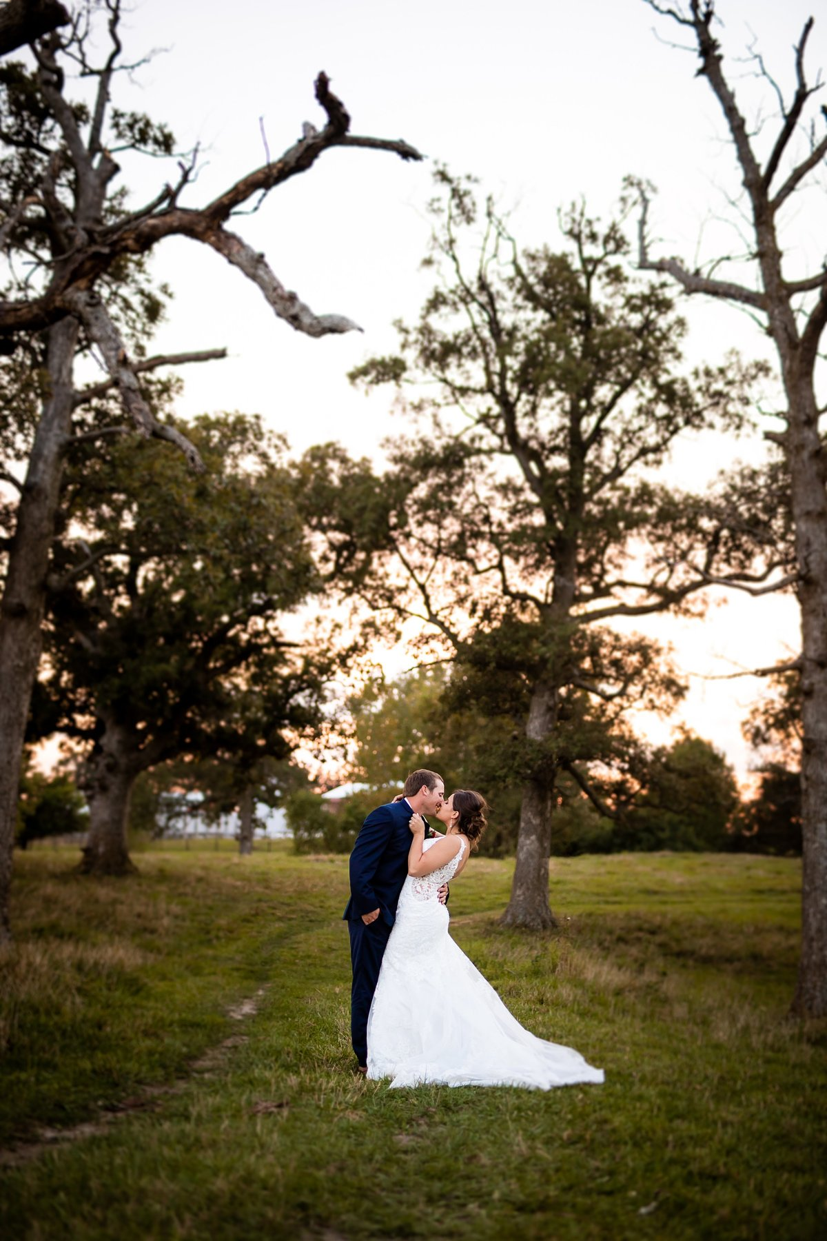 barn-outdoor-pond-wedding-burgundy-blush-sunset-4481
