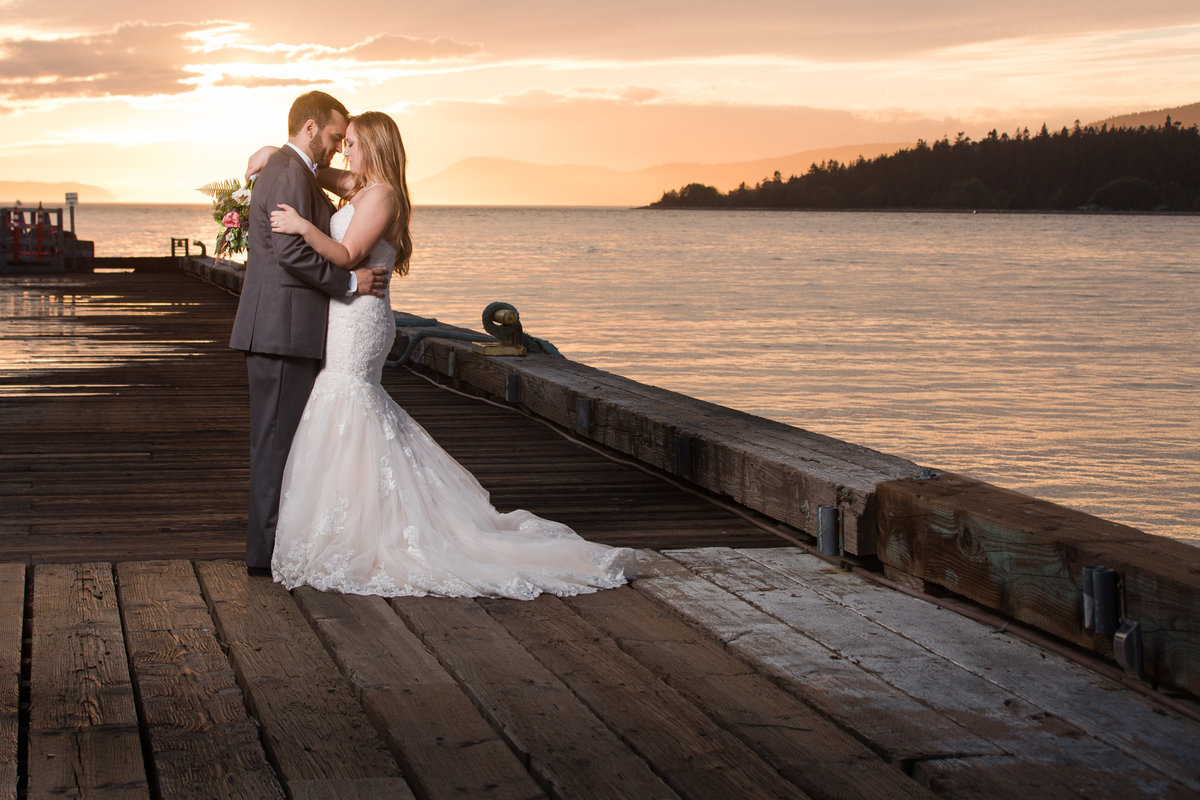 seattle wedding photographer anacortes pier photo + off camera flash