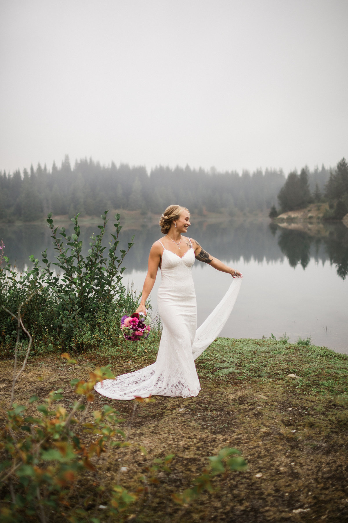 Snoqualmie-Pass-Elopement-Gold-Creek-Pond-30