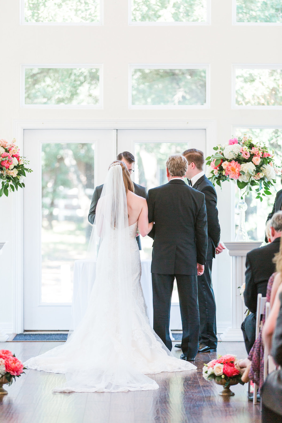 Ashley & Karl | Lone Star Mansion in Burleson | Dallas Wedding Photographer | Sami Kathryn Photography-83