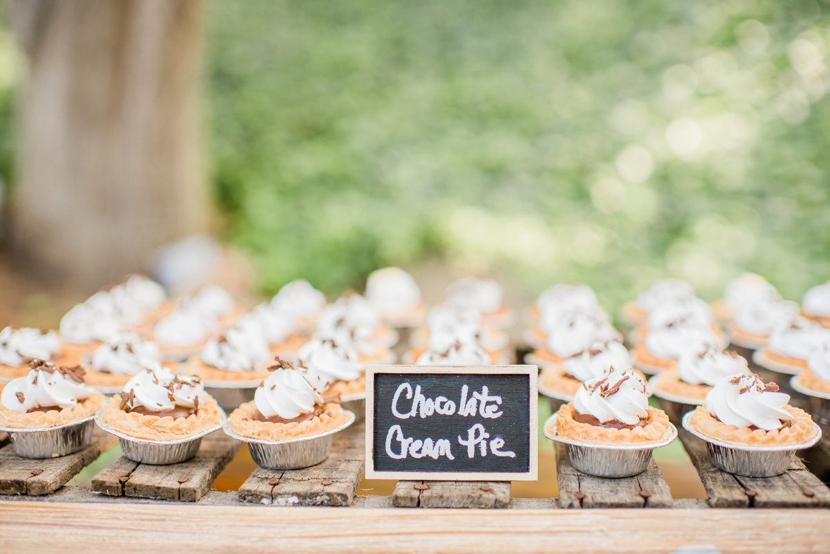 Paige & Thomas are Married| Circle Oak Ranch Wedding | Katie Schoepflin Photography663