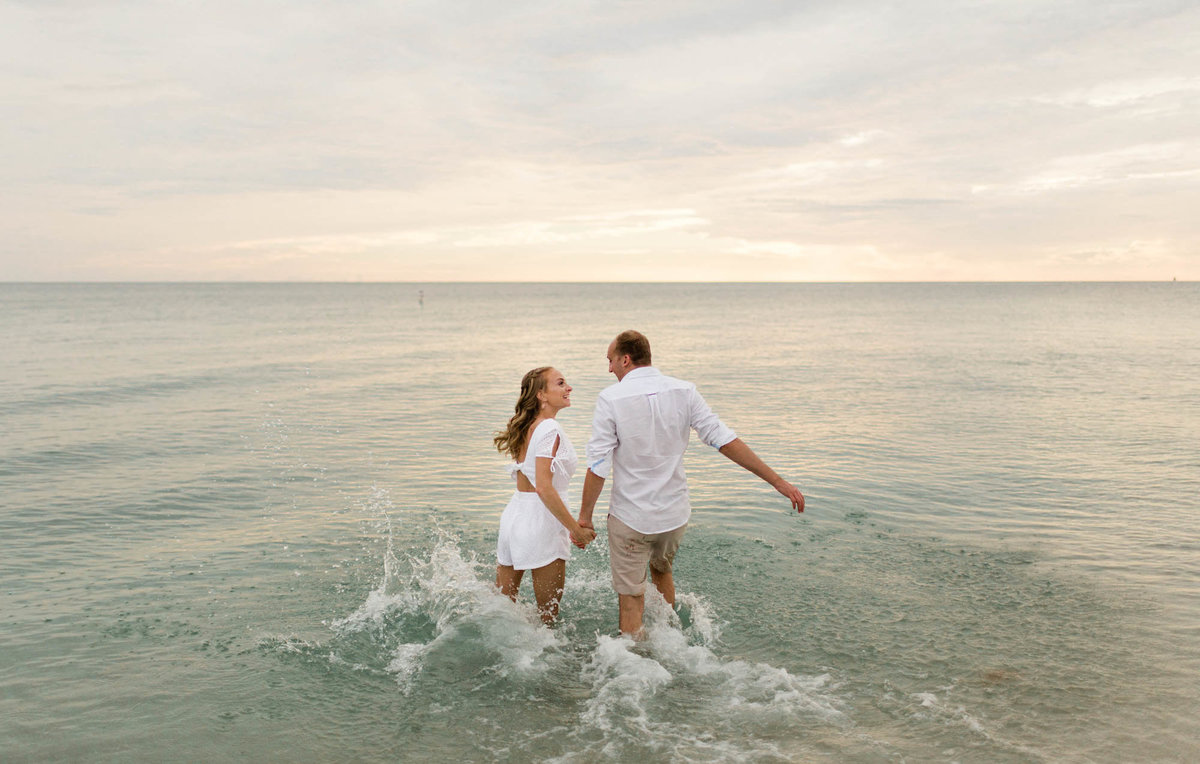 naples-florida-wiggins-beach-engagement-photos-1003