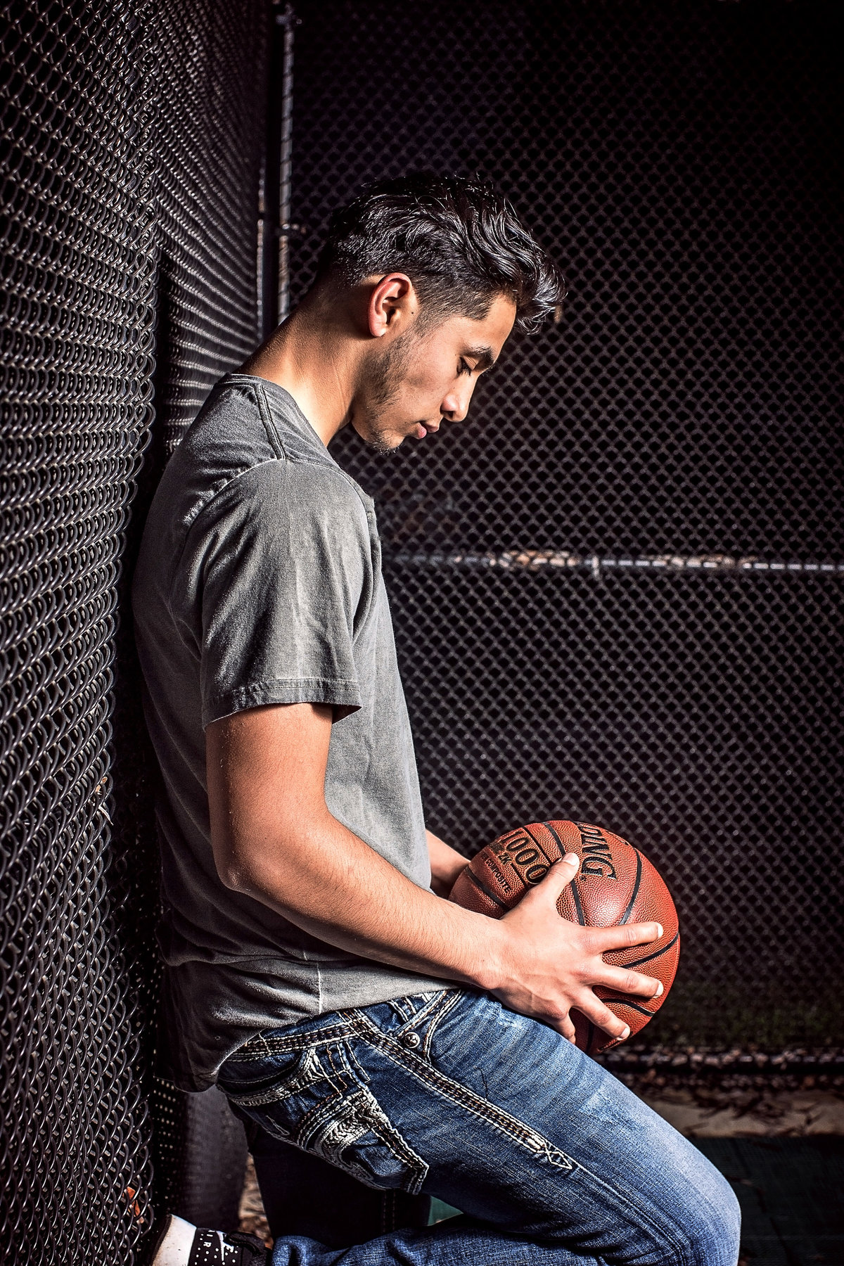 Redway-California-senior-portrait-photographer-Parky's-Pics-Photography-Humboldt-County-basketball-nighhttime1.jpg