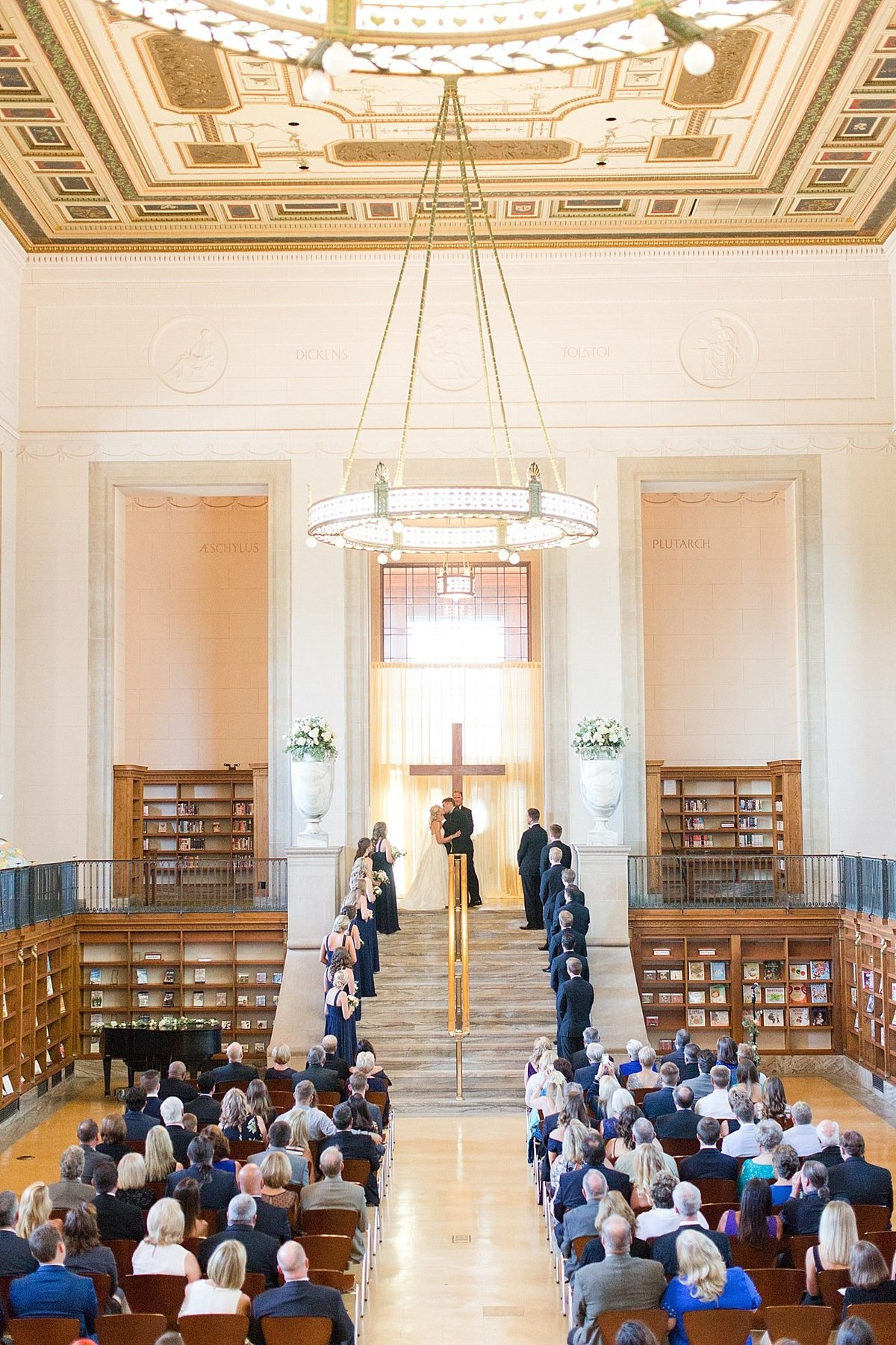Indianapolis Central Library Wedding_0017