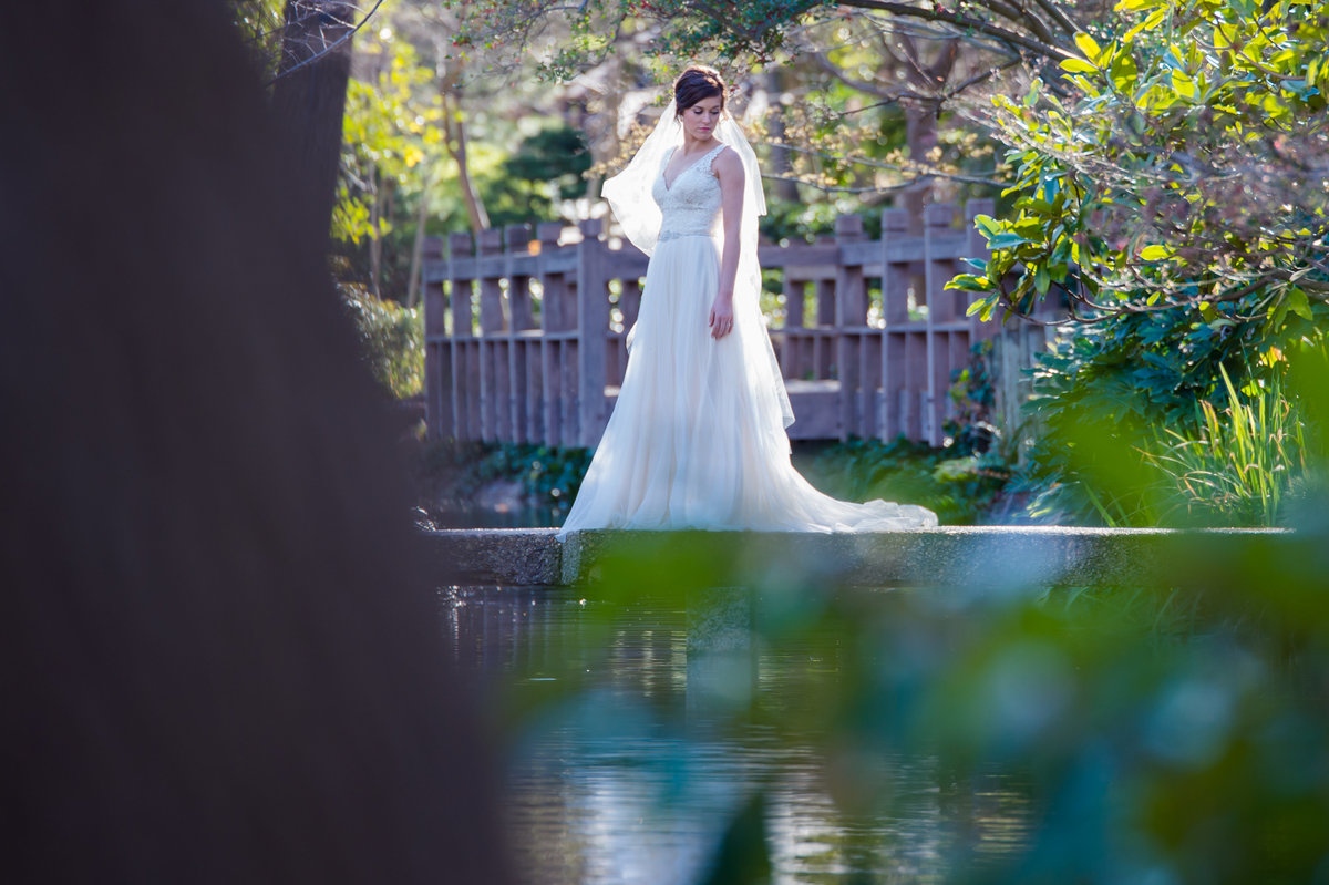 Fort Worth Japanese Garden bridal photo by Brittany Barclay Photography