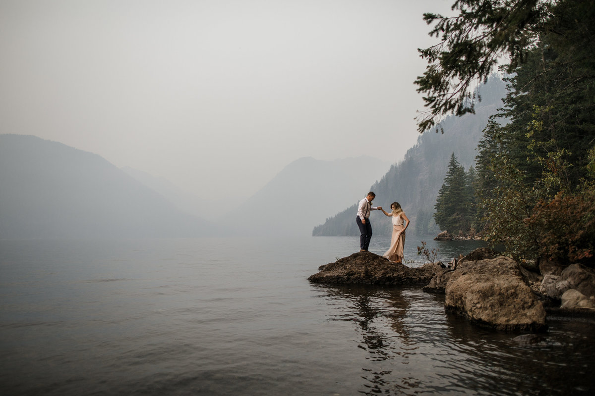 Lake-Cushman-Olympic-National-Park-Elopement-11