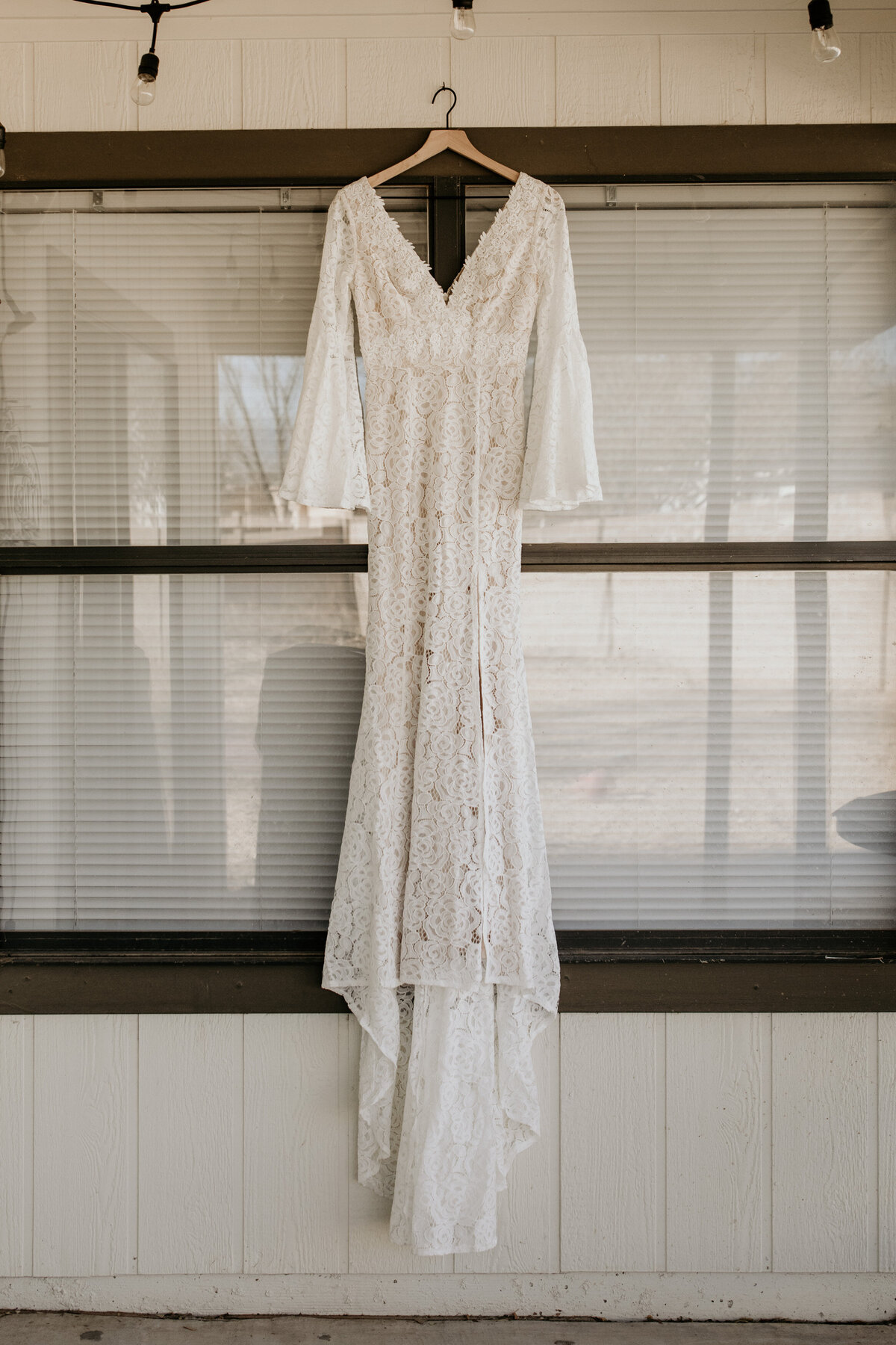wedding-dress-rentals-for-styled-shoots-elopement-photographer-19-20