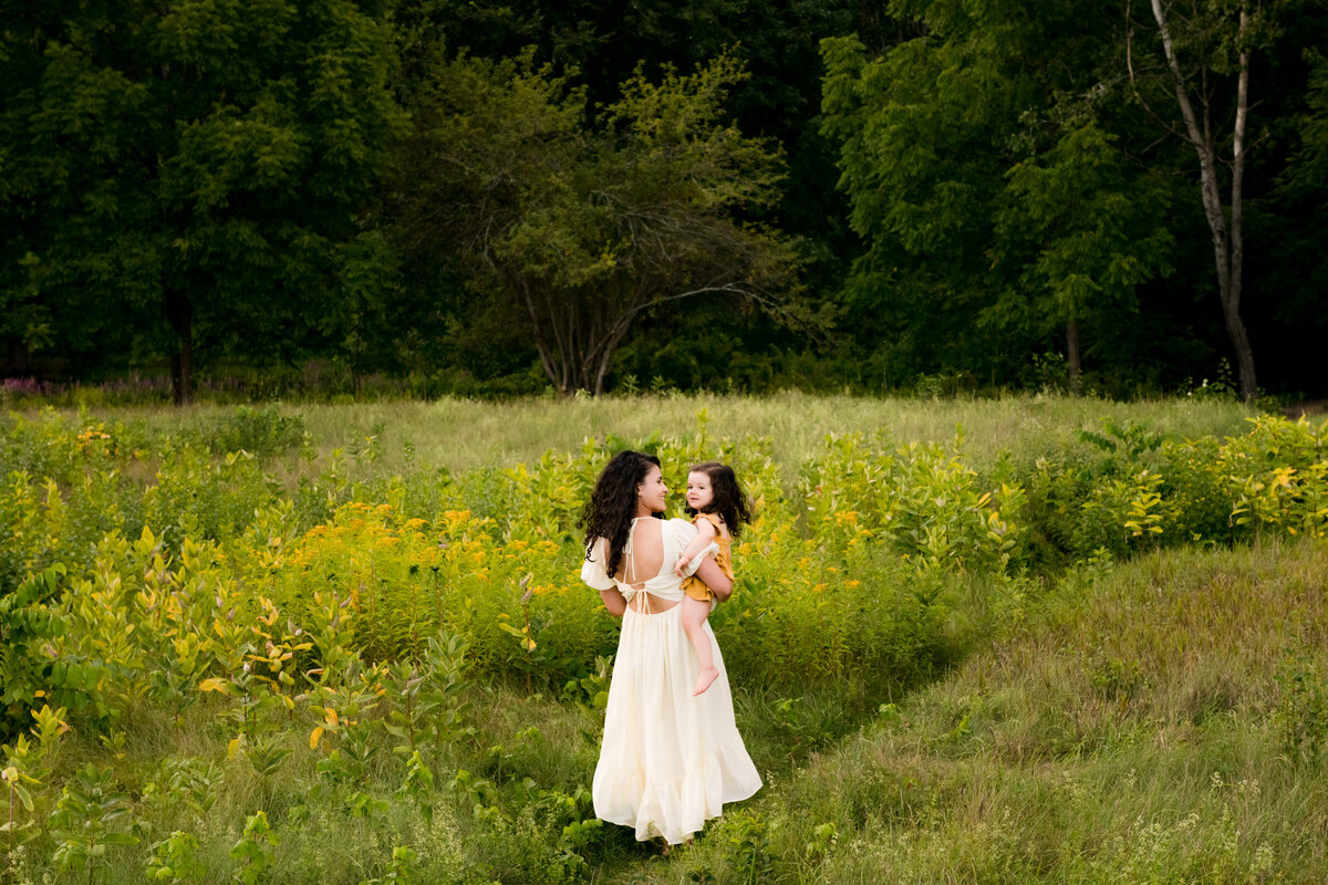 Boston-family-photographer-bella-wang-photography-Lifestyle-session-outdoor-wildflower-93