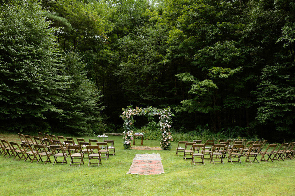 Catskills-Wedding-Planner-Foxfire-Mountain-House-Wedding-Canvas-Weddings-wedding-ceremony-outdoors