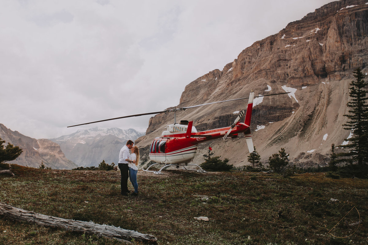 Alpine Helicopters Marvel Pass tour captured by Canmore Photographer Lindsay Copeland of Twenty Twenty Photography