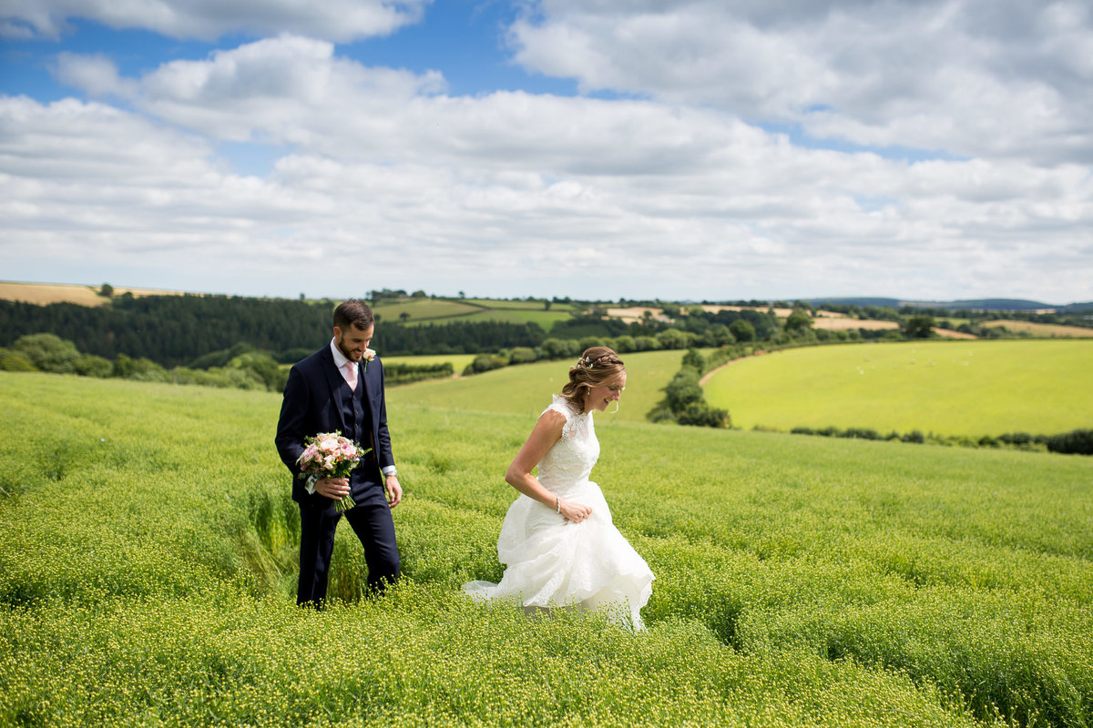the oak barn devon summer natural wedding photographer