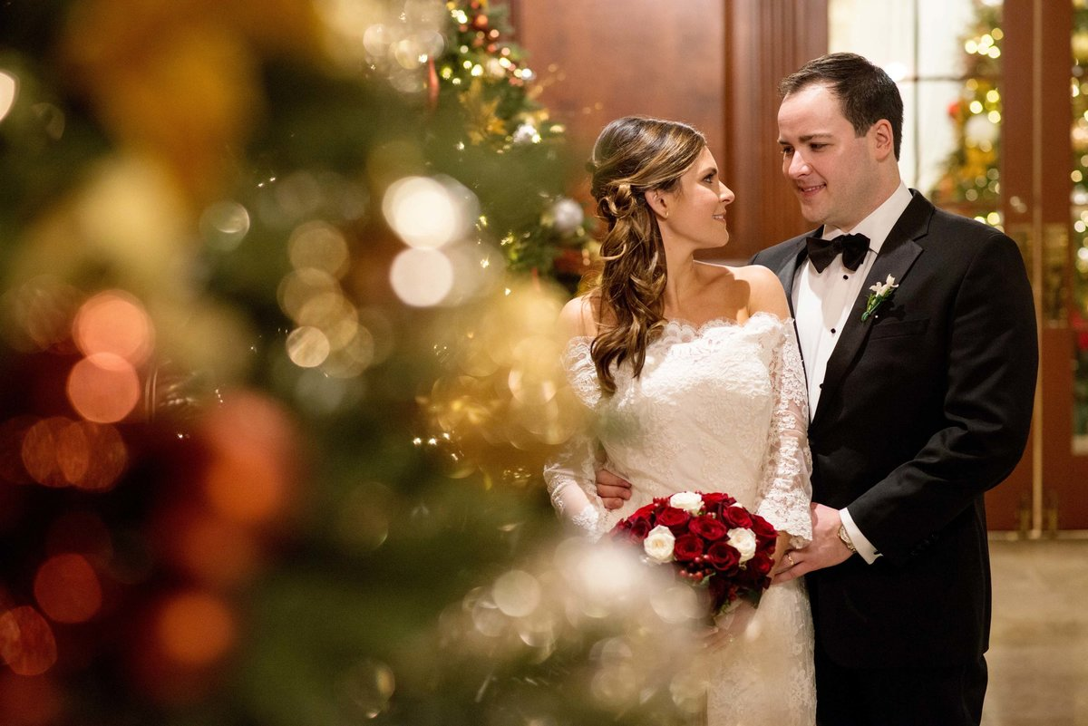 Bride and groom chirstmas at The Inn at New Hyde Park