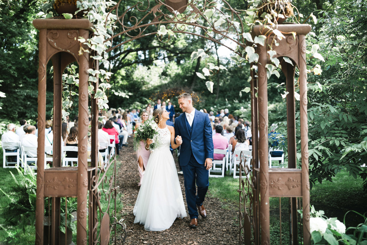 Camrose-Hill-Summer-Elegant-Wedding-Stillwater-Minnesota-3
