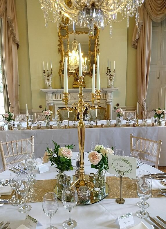 Blush and gold candelabra wedding (5)