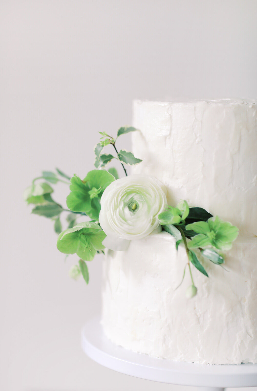 Modern Wedding Cake at The Atrium in Wilmington, North Carolina