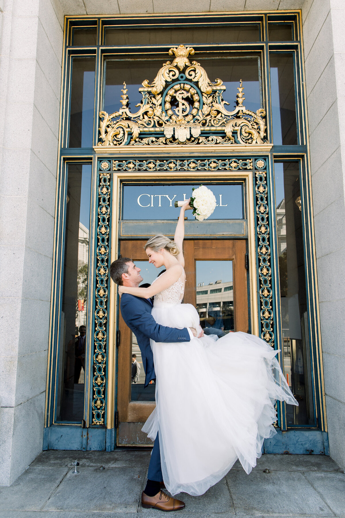 Best_San_Francisco_City_Hall_Wedding_photographer-021