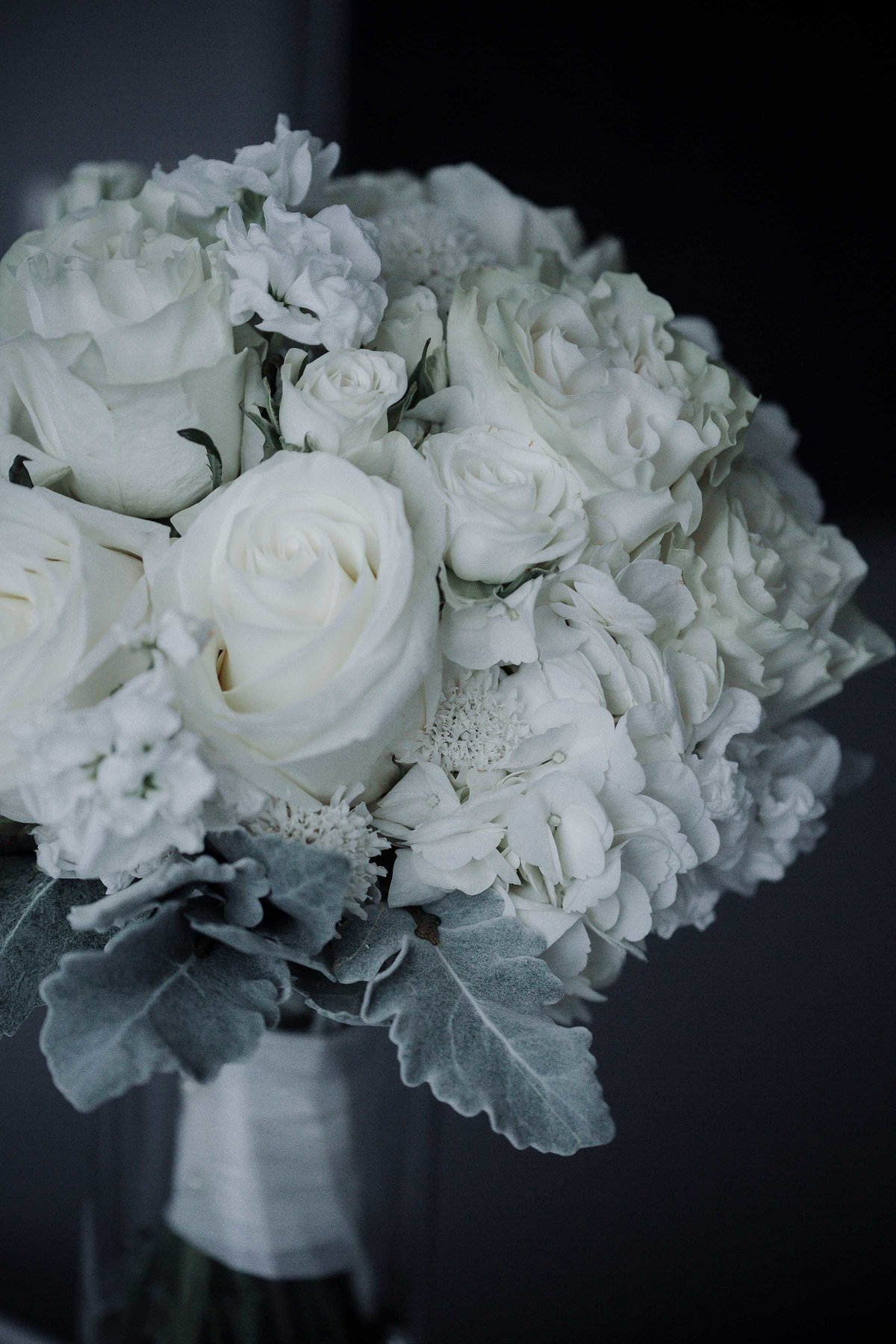 bridal-bouquet-white