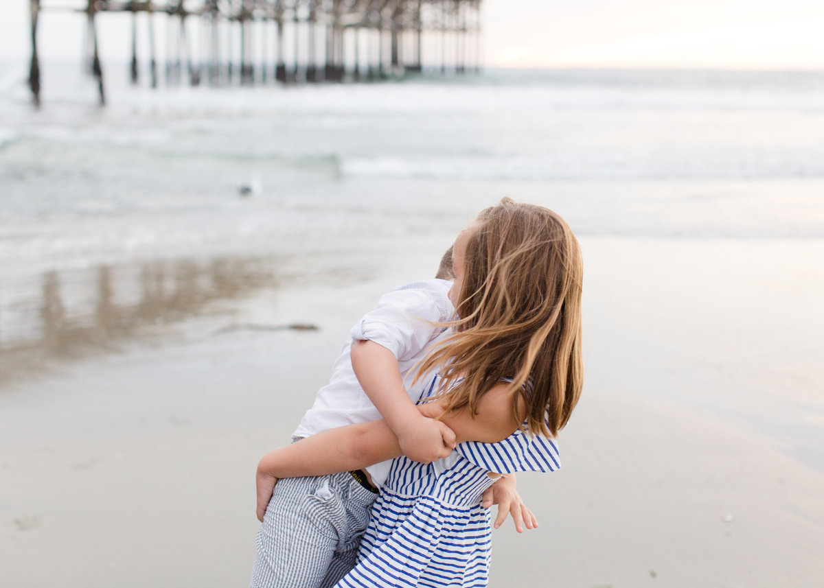 Katherine_beth_photography_san_diego_photographer_san_diego_family_photographer_Crystal_Beach_Pier_004