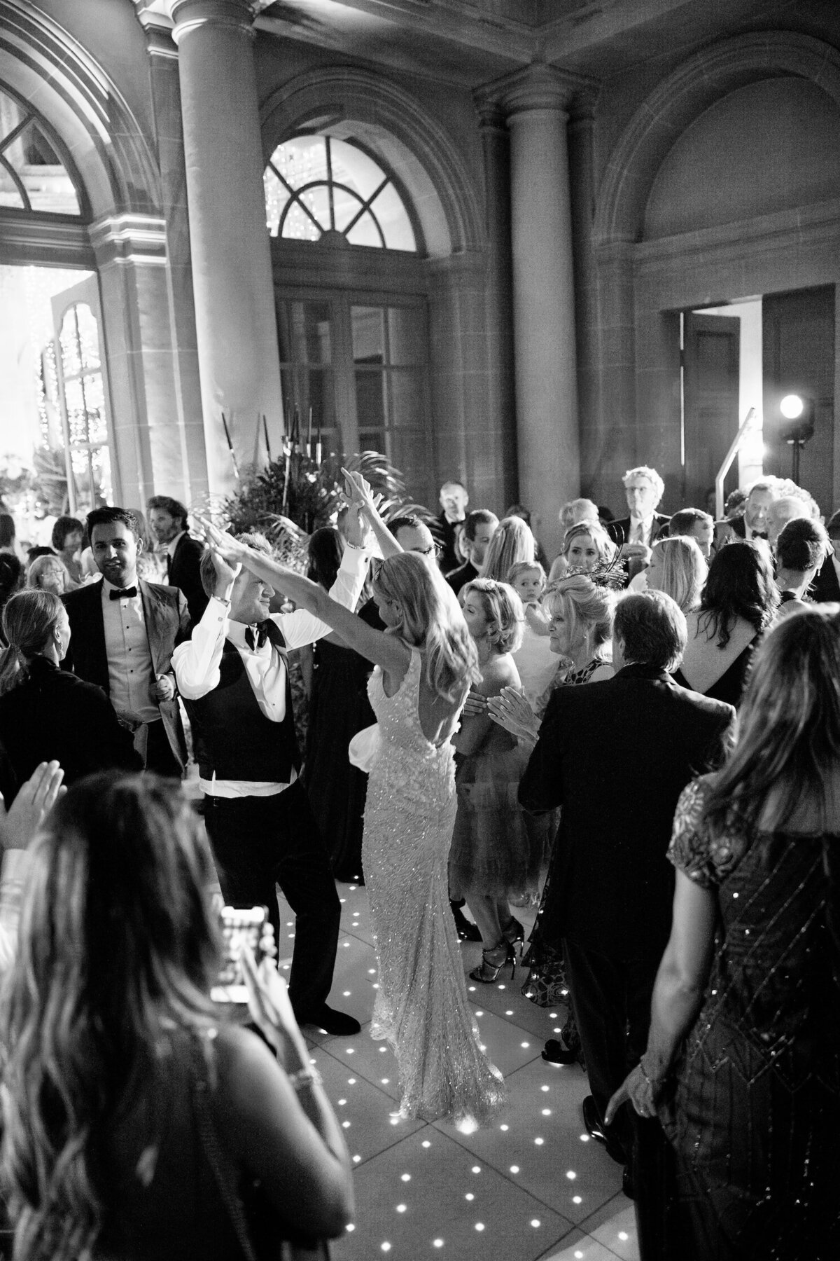 vaux-le-vicomte-luxury-wedding-phototographer-in-paris (21 of 56)