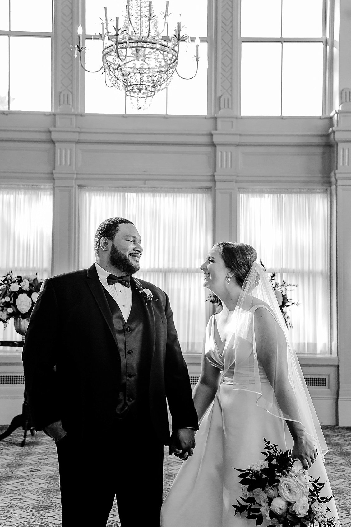 sharonelizabethphotography-johnmarshallballrooms-richmondvirginiaweddingphotographer-classicballroomwedding-johnmarshallballroomwedding{seq}4976