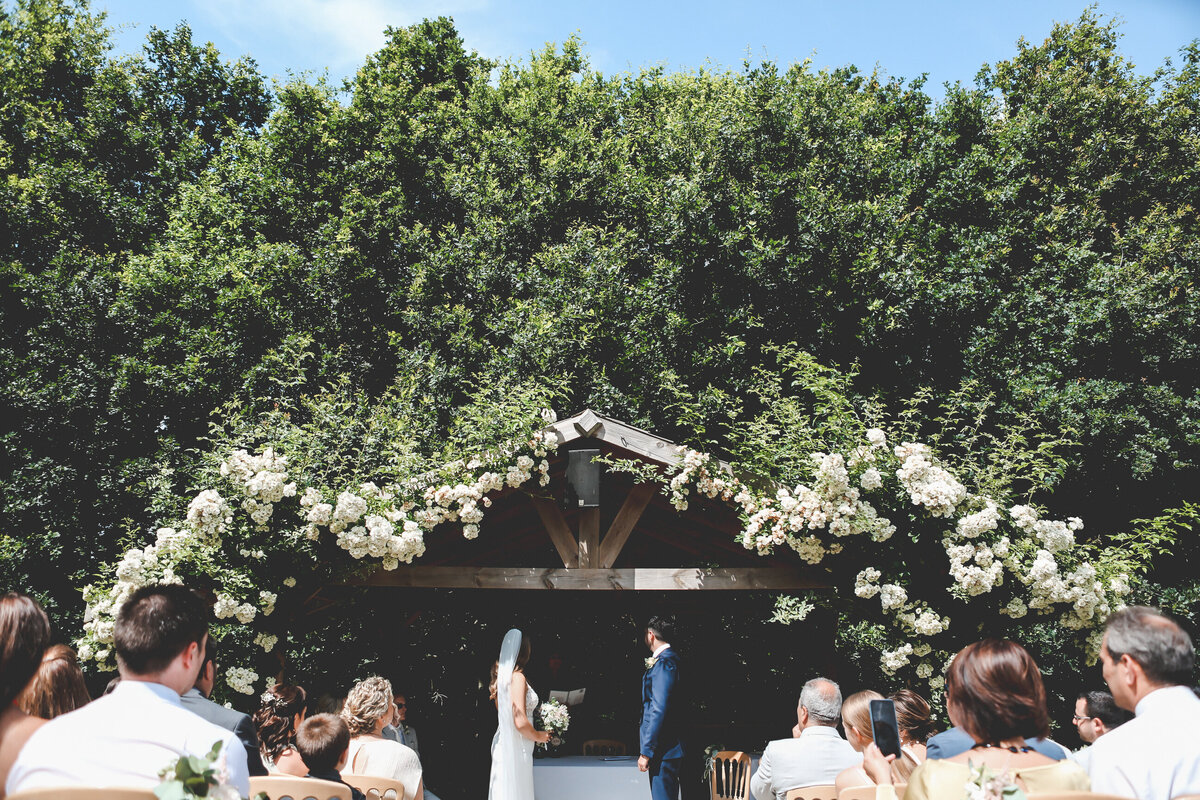 BURY-COURT-BARN-WEDDING-SUMMER-0028