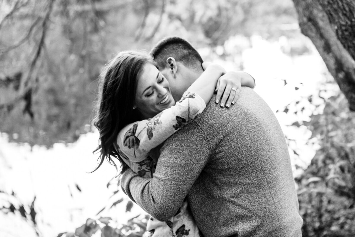 Chicago-Engagement-Photographer-Hugging-Couple