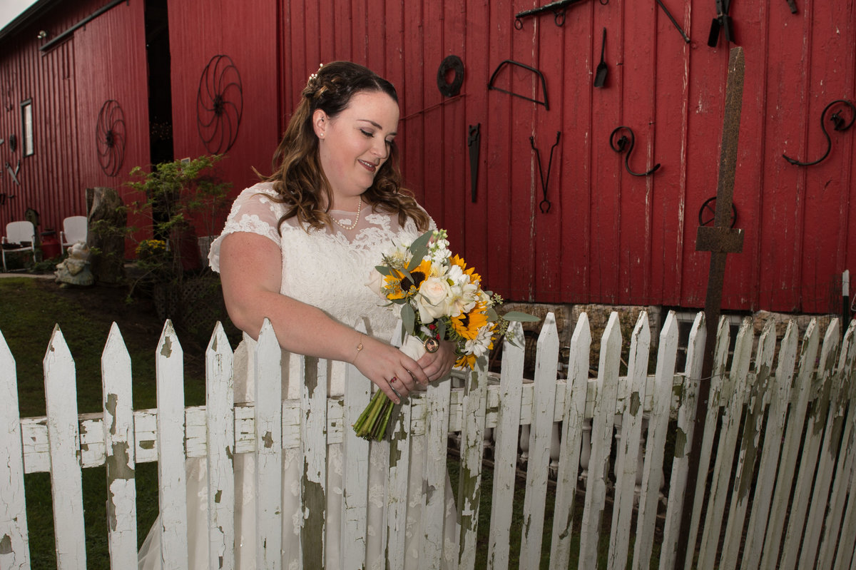 tradition photo bride with sunflowers casual wedding