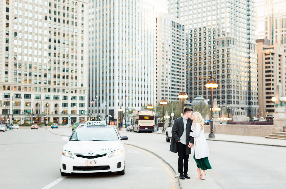 winter-downtown-chicago-engagement-session-76