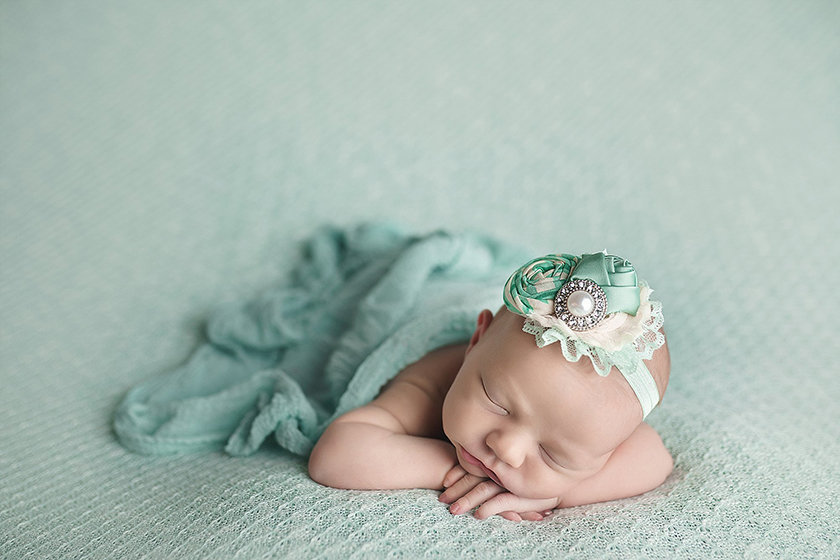 Caro_MI_Newborn_Photographer1303