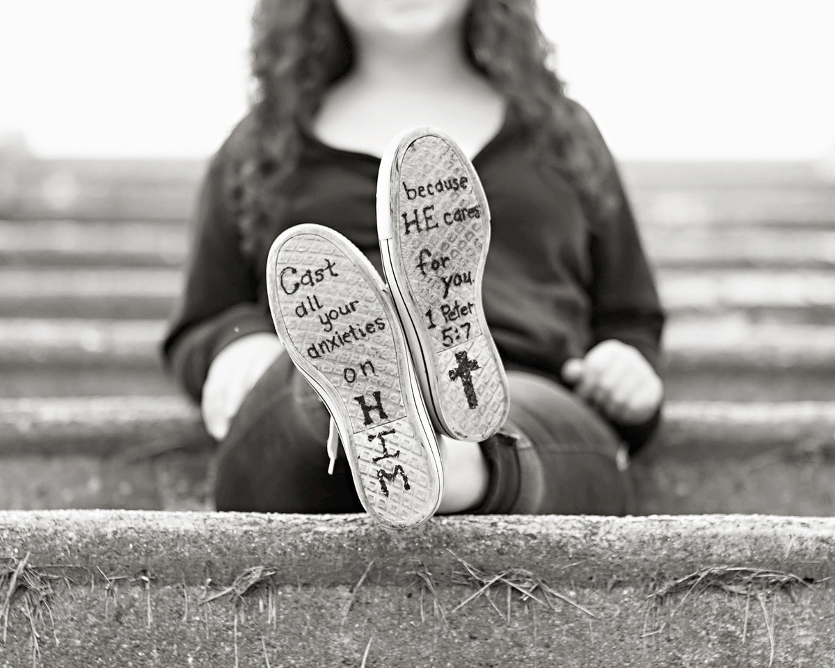 Indiana Senior girl-Bible verse on shoes-black and white