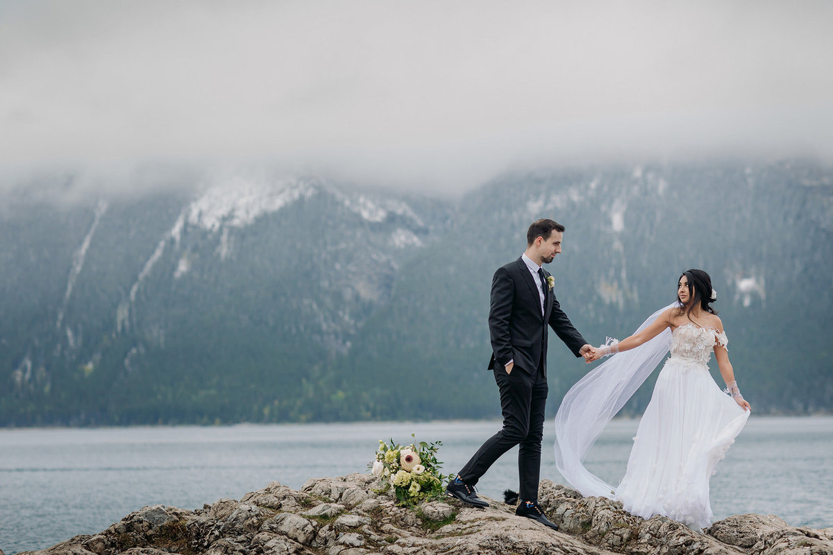 boho banff lake minnewanka wedding photographer