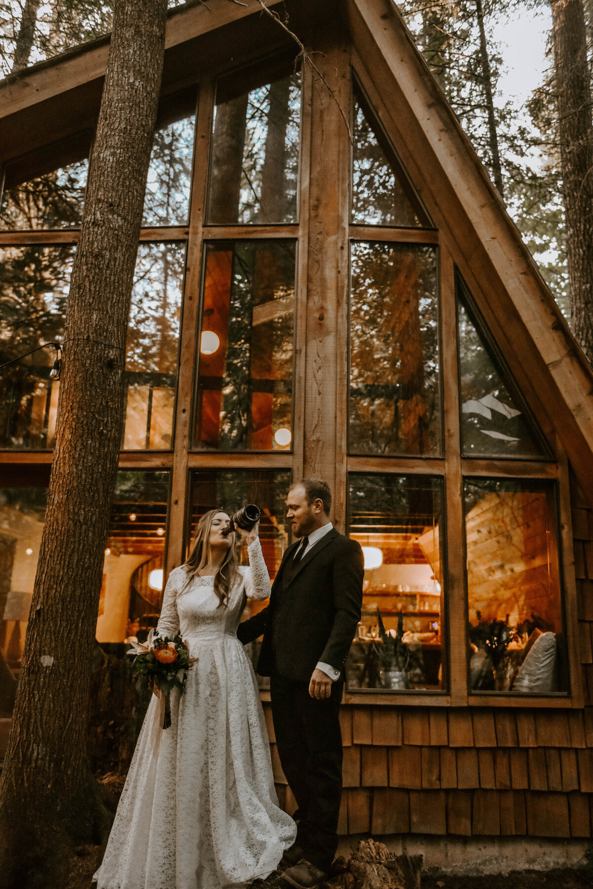 mount-hood-mountain-cabin-woods-elopement-forest-oregon-pnw-wedding-photographer9782