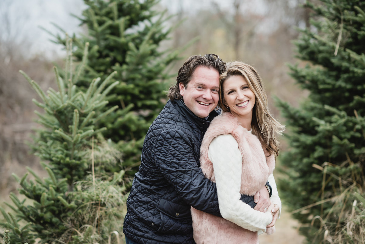 Addison Oaks Christmas Tree Farm Holiday Mini Session9