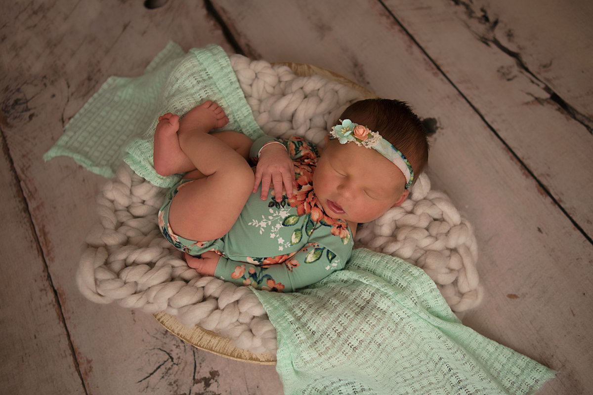 Lynsie Rae Photography_2017 Thea Newborn web