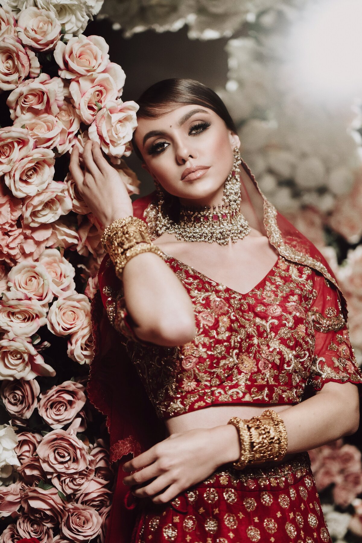 red-white-blush-pink-indian-hindu-sikh-wedding-ceremony-bride-10