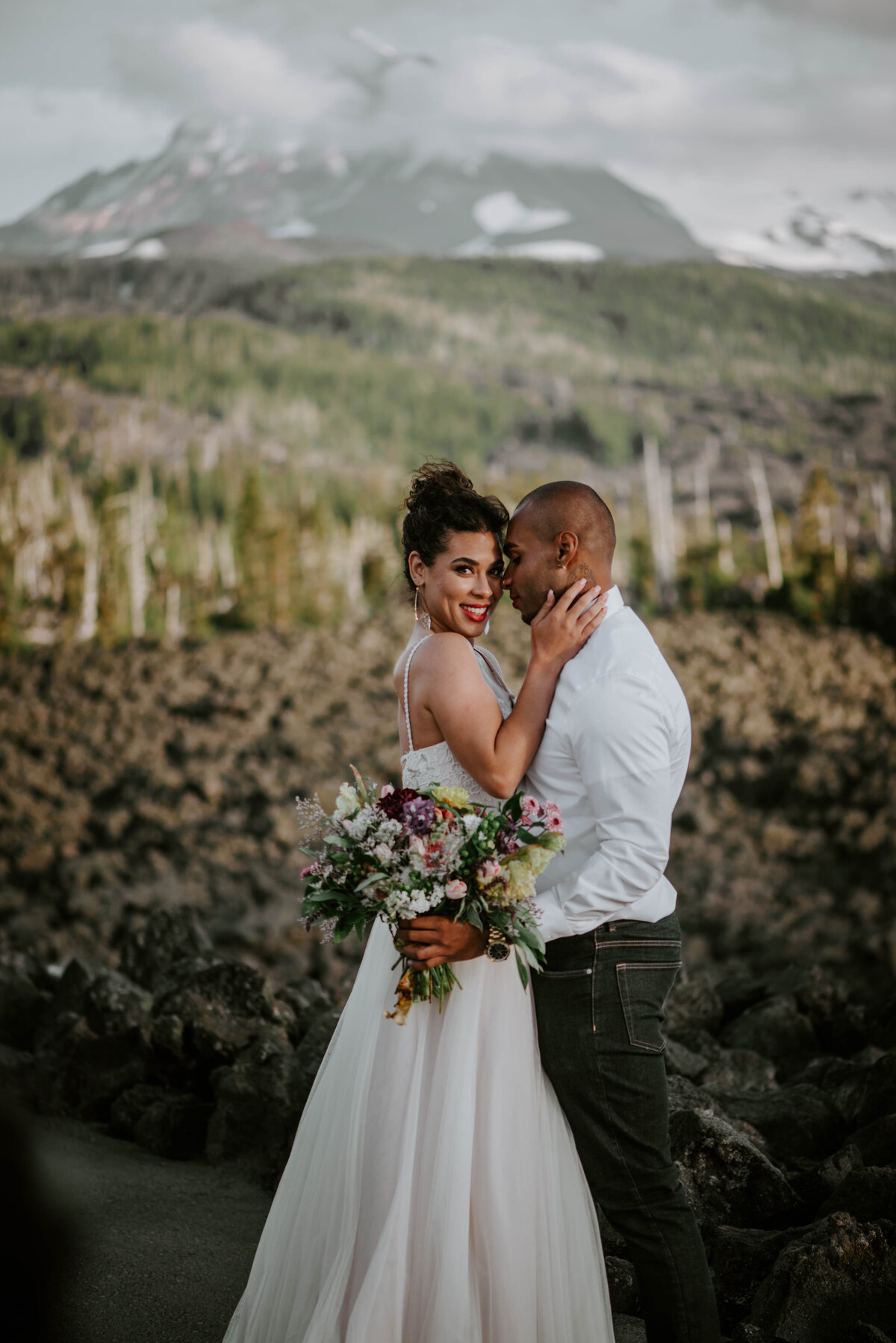 sisters-bend-oregon-summer-wedding-elopement-photographer-dress-scenic-byway-wedding-deewright-observatory-5989