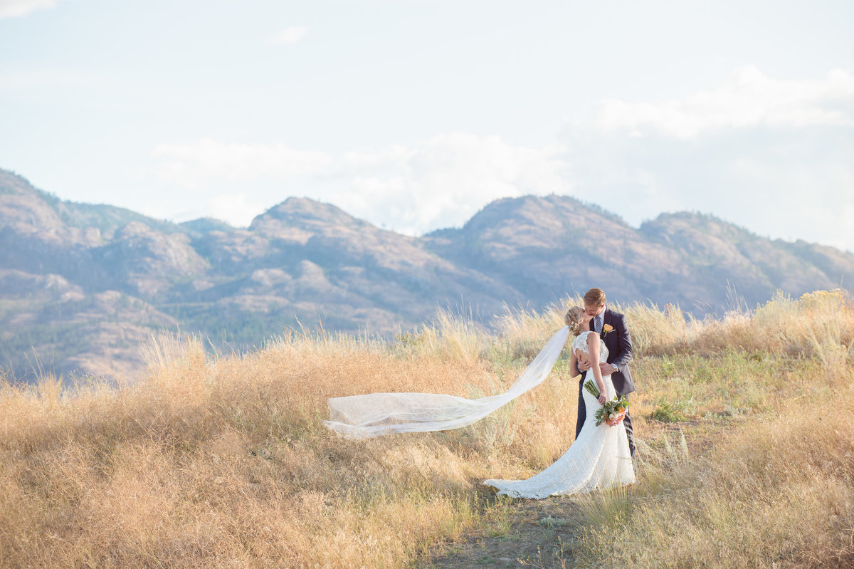 Suzanne Le Stage Photography - Kelowna Okanagan Wedding Photography10