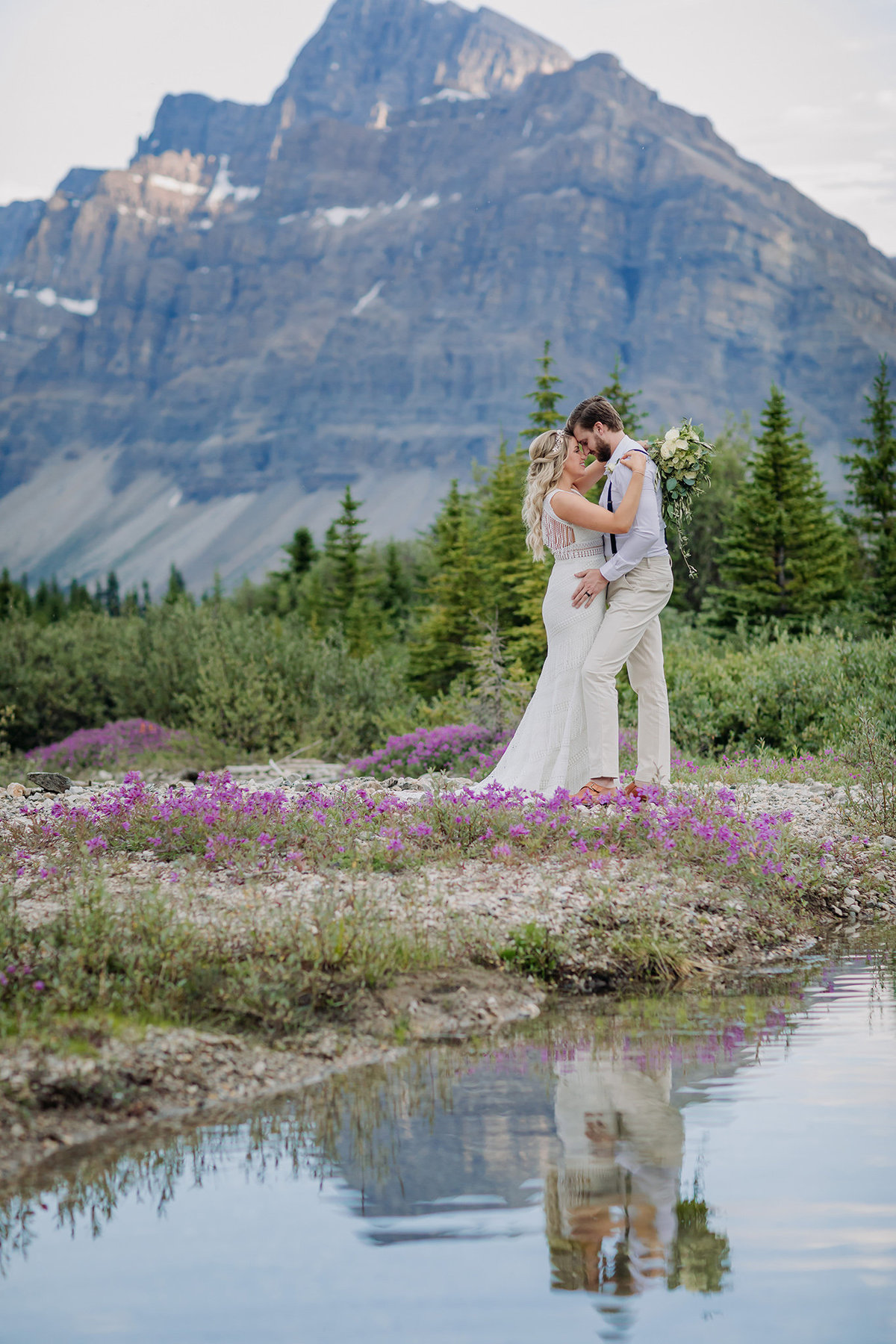 37-icefields-parkway-adventure-wedding-banff-national-park-elopement-photographer