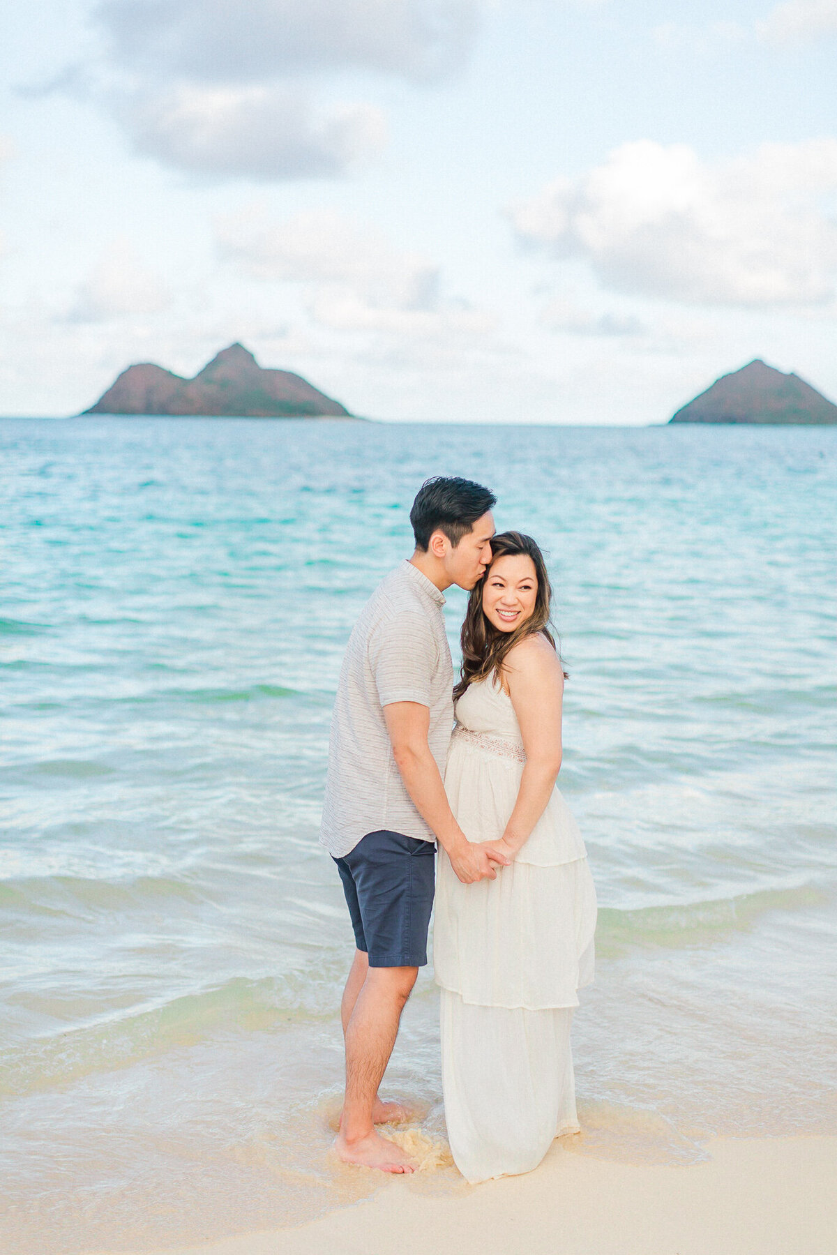 Blog-lanikai beach maternity session by hawaii maternity photographer veronica ilioi photography-0014