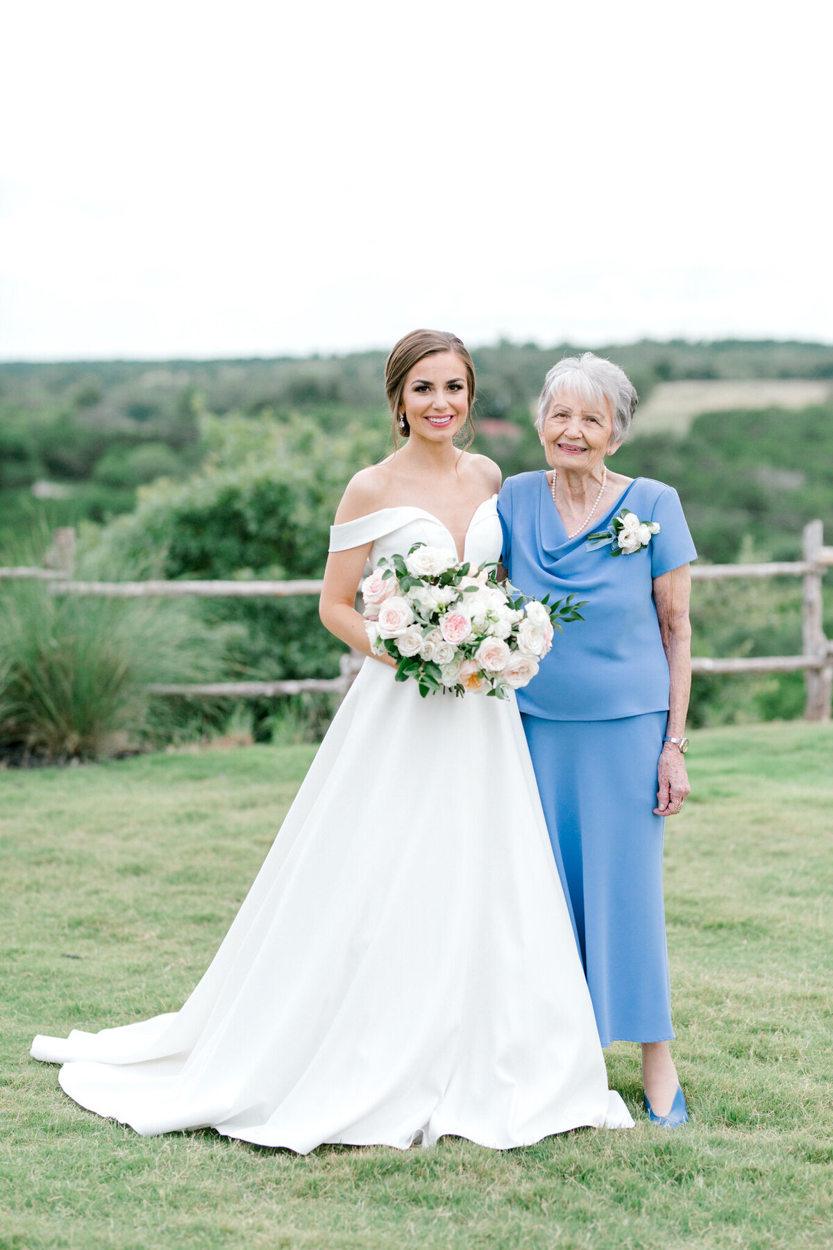 Lexi Broughton & Garrett Greer Wedding at Dove Ridge Vineyards | Sami Kathryn Photography | Dallas Wedding Photography-140